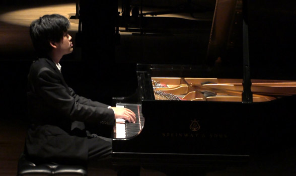 Sean Chen performing Beethoven on stage