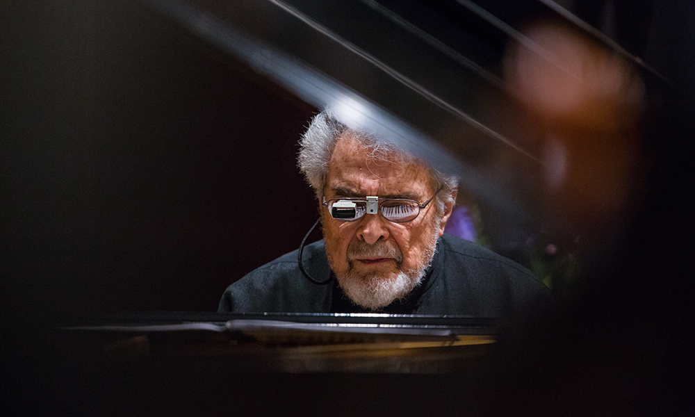 Leon Fleisher playing piano