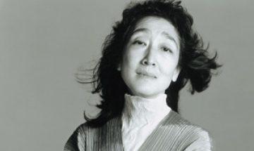 Mitsuko Uchida headshot