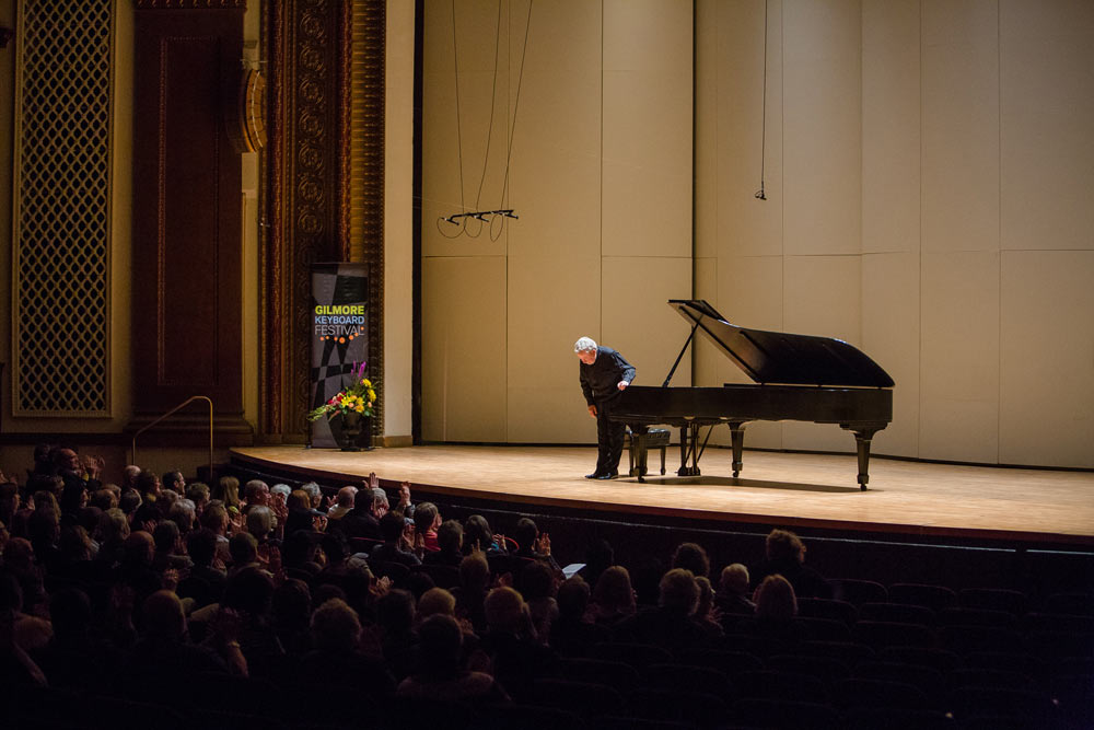 Nelson Freire taking a bow after his performance
