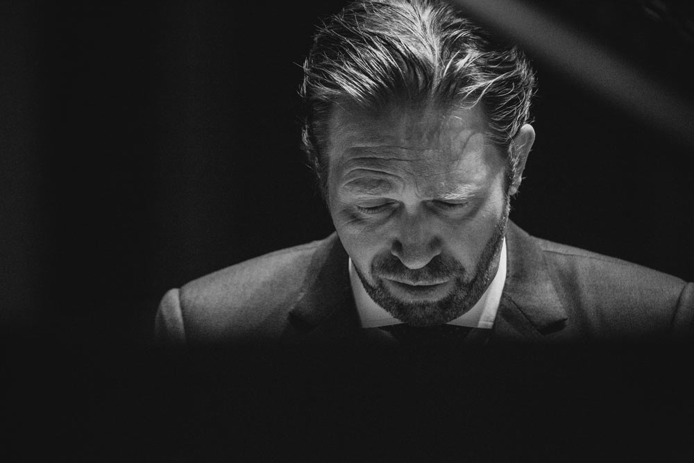 close up of Leif Ove Andsnes in black and white