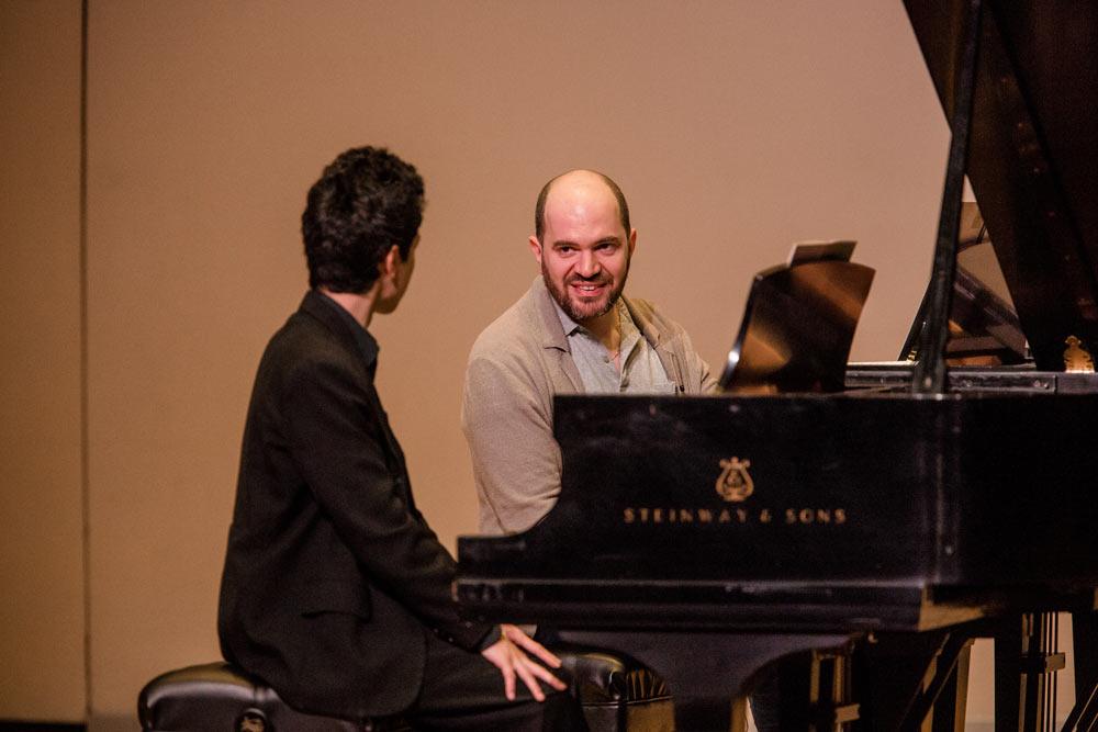 Kirill Gerstein teaching gentleman how to play the piano