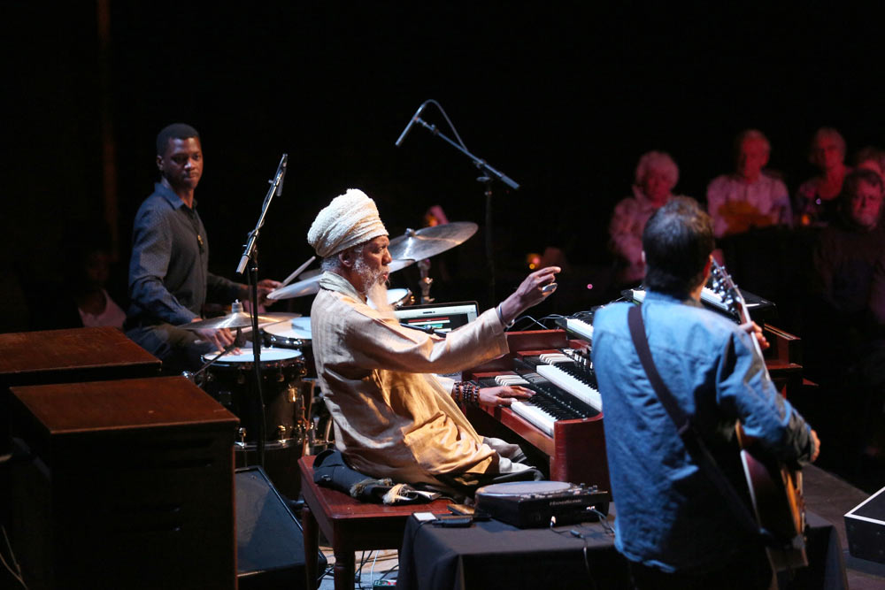 Dr. Lonnie Smith and his group performing at the Williams Theatre.