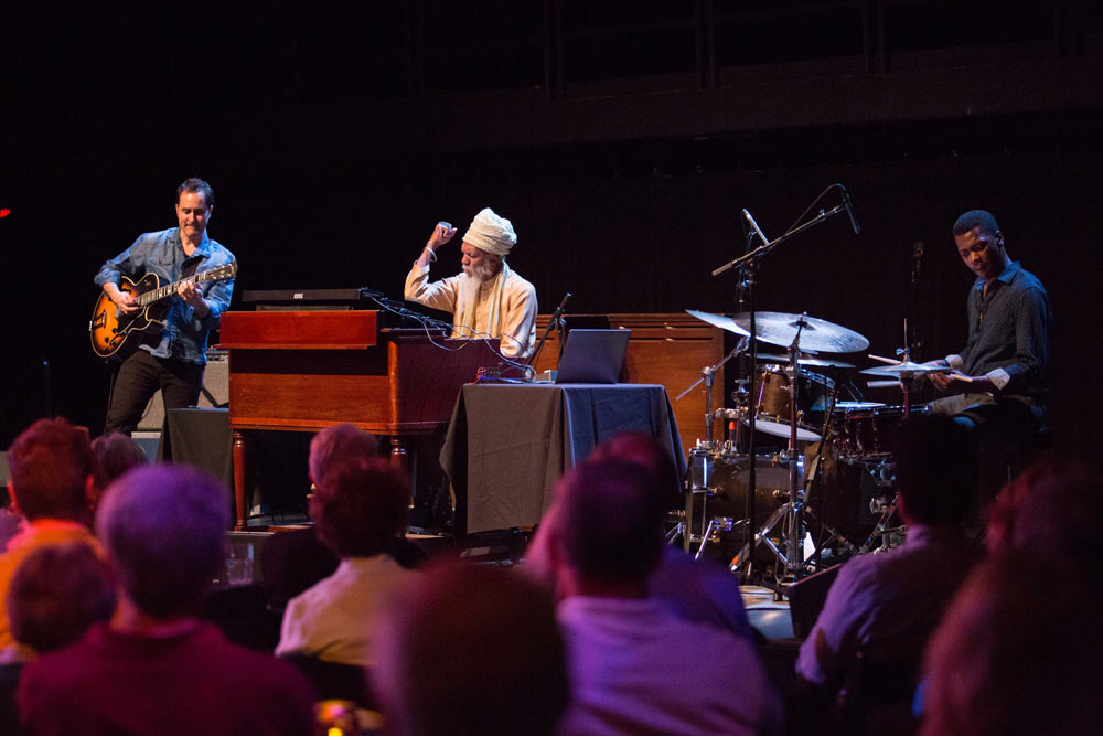 Dr. Lonnie Smith performing on stage