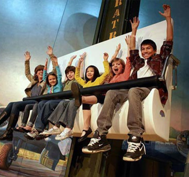 kids on a ride at air zoo