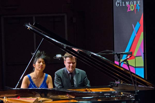 Greg Anderson and Elizabeth Roe on the same piano