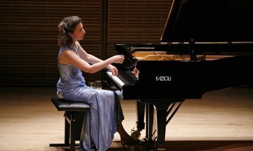 angela hewitt performs piano on stage