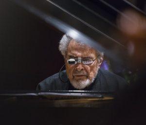 Leon Fleisher performing